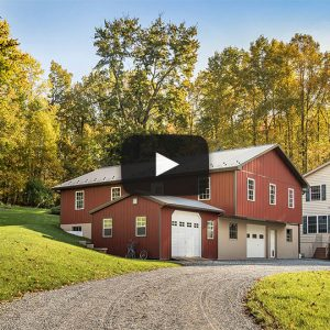 [Video] Red Amish Barn | Building Showcase